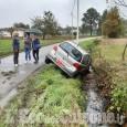 Pinerolo: mancato stop, auto nel fosso