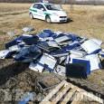 Orbassano: 430 monitor buttati in un campo vicino al san Luigi