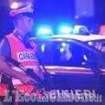 Cavour: spara contro l'auto dei banditi che volevano investirlo, due nomadi in manette
