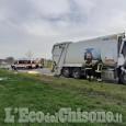 Pinerolo: cantonieri investiti da un camion compattatore di rifiuti, un morto e un ferito grave