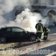 Pinerolo: auto in fiamme in corso Torino