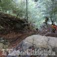 Pinasca: cade durante una passeggiata nei boschi, morto 80enne