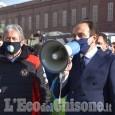 I maestri di sci manifestano in piazza Castello, Cirio promette un bonus di 2000 euro a testa