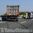 Si schianta contro il guard-rail sulla Torino-Pinerolo, camionista in elisoccorso al Cto