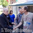 Pinerolo: gli auguri di Pasqua del vescovo ai lavoratori del presidio Pmt