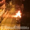 Pinerolo: auto in fiamme in via Lanteri