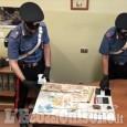 None: arrestato biker spacciatore, nascosti sulla moto un panetto di hashish e 9mila euro in contanti