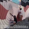 Un nuovo murale in via Principi d'Acaja a Pinerolo