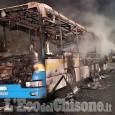 Orbassano: bus in fiamme in via Di Nanni
