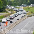 Pinerolo: asfaltano sulla circonvallazione, traffico in tilt al rotondone