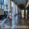 Coronavirus: a Pinerolo iniziata la sanificazione dei portici