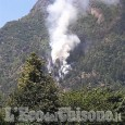 Torre Pellice: un elicottero e un canadair per domare l'incendio sul monte Vandalino