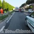 Vinovo: furgone urta un'auto e invade la pista ciclabile, una donna in ospedale