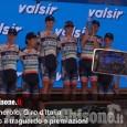 Embedded thumbnail for Giro d'Italia, Cuneo - Pinerolo: scene dopo il traguardo e premiazioni