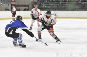 Hockey ghiaccio, grande festa a Torre: alla Valpeagle gara 1 di finale