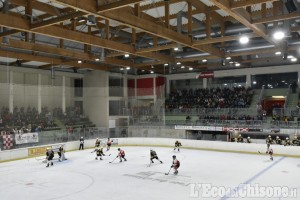 Hockey ghiaccio Ihl1, il derby torinese a casa Real premia la Valpeagle: 9 a 2