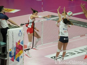 Volley serie A2 donne, Eurospin Ford Sara Pinerolo vince anche il derby: 3-0 al Cus