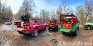Giaveno: fiamme nei boschi di borgata Maddalene, Vigili del fuoco in azione