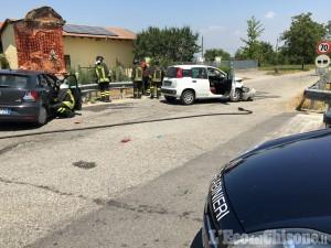 Piscina: schianto tra due auto all'incrocio, muore un 42enne