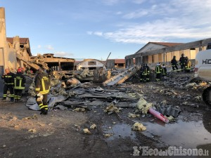 Piossasco: crolla la struttura dell'allevamento, 120 mucche morte tra le macerie