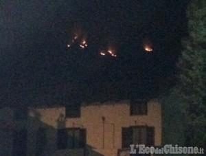 Cumiana: appiccato il fuoco sul monte Tre Denti in almeno quattro punti