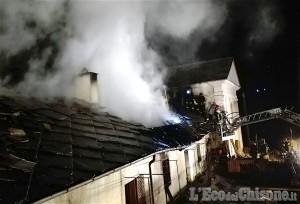 Perrero: fiamme nella casa canonica di Trossieri
