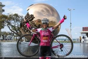 Alla vigilia del Giro a Pinerolo, arriva Paola Gianotti ciclista da record