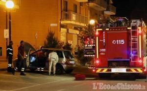 Airasca: auto, forse rubata, resta accesa per ore in via Roma