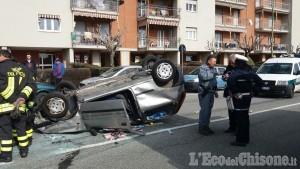 Pinerolo: auto cappotta in via Novarea, anziana ferita