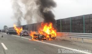 Piscina: auto in fiamme dopo l'urto, padre e figlia morti sulla Torino-Pinerolo