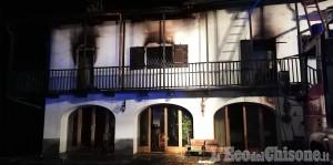 Luserna: fiamme nella notte in un casolare di borgo Pianas