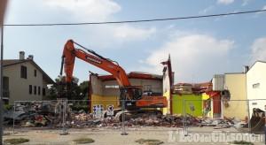 Castagnole: demolita la palestra, via ai lavori del nuovo polo scolastico