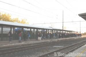 Treno rotto ad Airasca, studenti e lavoratori in ritardo