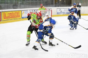 Hockey ghiaccio, serata di big match Bulldogs-Milano, 200 spettatori