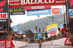 Sestriere: Aru conquista un emozionante successo al Giro, Contador resta leader