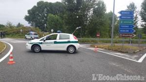 Beinasco: camion perde olio e carburante, temporaneamente chiusa la Circonvallazione di Borgaretto