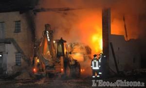 Barge: incendio in un cascinale