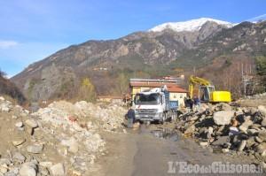 Alluvione in Val Chisone: la Sr 23 riaperta verso l'alta valle per i residenti in tre fasce orarie
