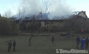 Bricherasio: fiamme in un'abitazione, sul posto sei squadre dei Vigili del fuoco