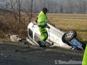 Bruino: schianto fra auto sulla Provinciale, 80enne grave in ospedale