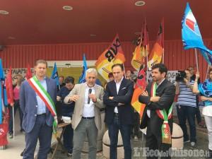 Beinasco: il presidente del Piemonte Cirio incontra i lavoratori di Mercatone Uno