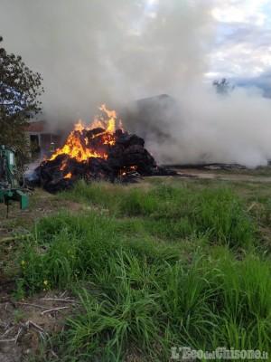 Cardè: incendio in una cascina di Via Salesea