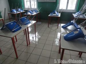 Vigone: vandali a scuola nella notte, allagato l'intero edificio