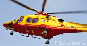 Revello: 49enne investita, trasportata in elicottero in ospedale