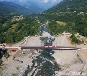 Torre Pellice: taglio del nastro al Ponte Bertenga