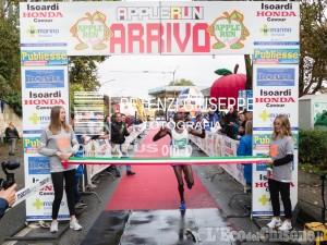 Podismo, Apple Run grande successo a Cavour: acuti di Kurgat e Romagnolo, 1000 partecipanti