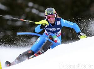 Sestriere: con l'auto fuori strada, illesa la campionessa di sci Sofia Goggia
