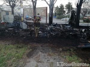 Beinasco: in fiamme un container a Borgo Melano