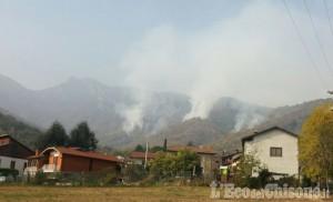 Cumiana: grosso incendio sul Monte Tre Denti