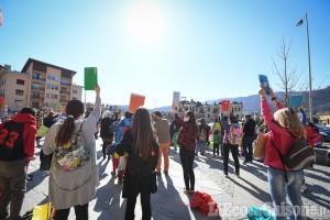 Luserna S.G.: in piazza contro la Dad